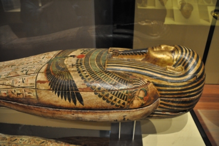 foto 4 MAN sarcofago detalhe