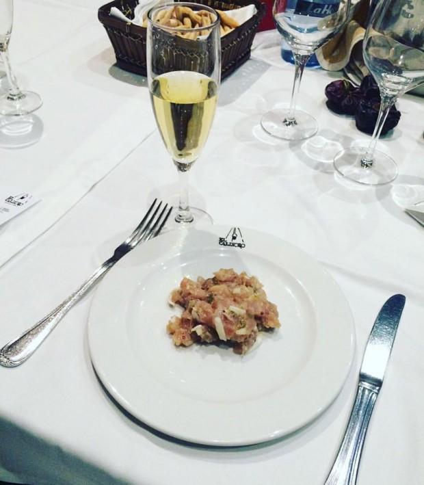 gastronomia de Múrcia - Atún rojo en tartar al lemontaza con el cava Blanca Cuisine de Parés Baltá