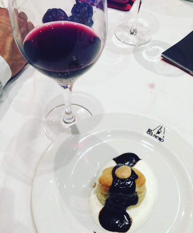 gastronomia de Múrcia - hojaldre relleno de queso de cabra y vino El Molar de Casa Castillo