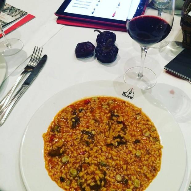 gastronomia de Múrcia - arroz con chato murciano y habas y el vino Gratavinum