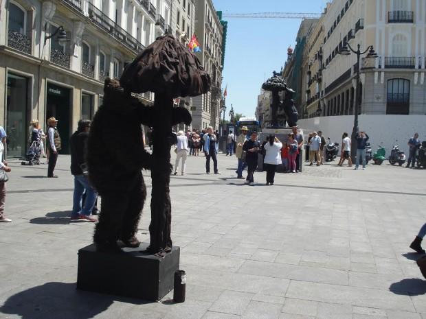 o urso e o madroño 2