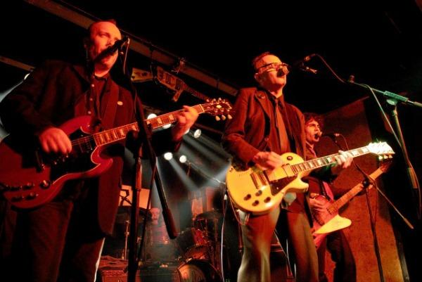Bares de rock com música ao vivo em Madrid - Siniestro Total - Gruta 77 - 060325