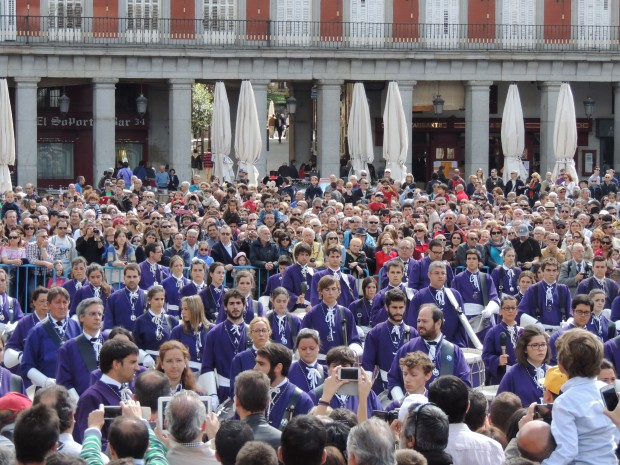 Tamborrada na Plaza Mayor