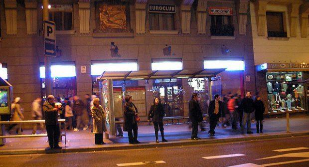 ônibus noturno em madrid