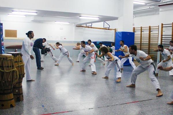 onde fazer capoeira em Madrid - Ator - Abadá