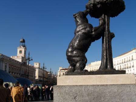 Por Madrid: do Romântico ao Imperial - Urso e o Madronho
