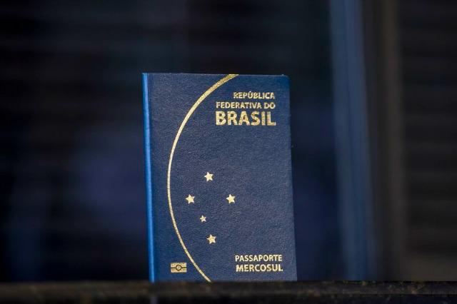 Atenção à data de vencimento do passaporte! (Foto: Agência Brasil)