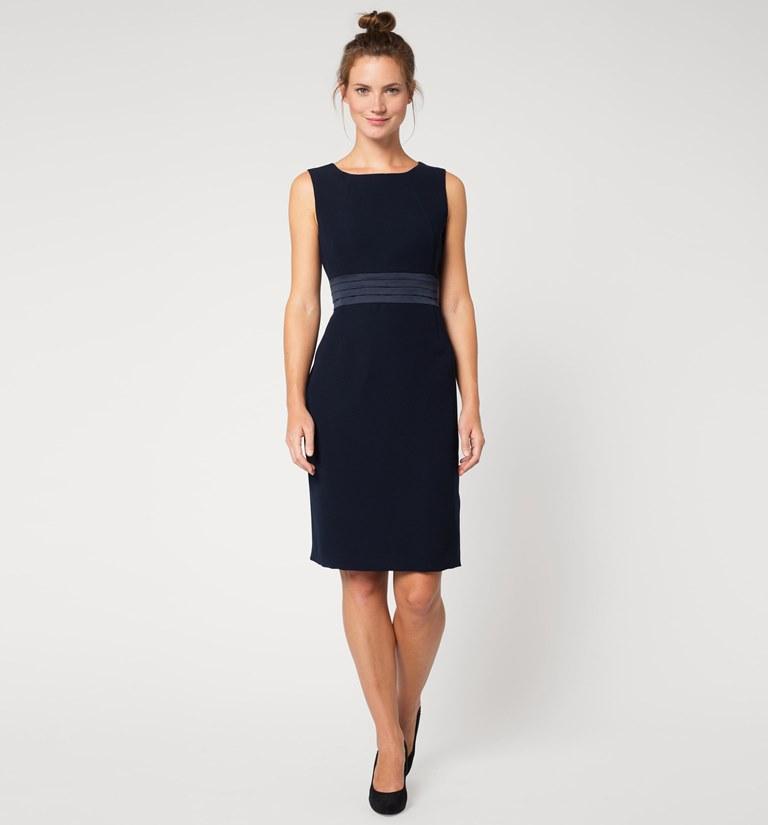 Exemplo de vestido da coleção normal com tamanho até ao 52